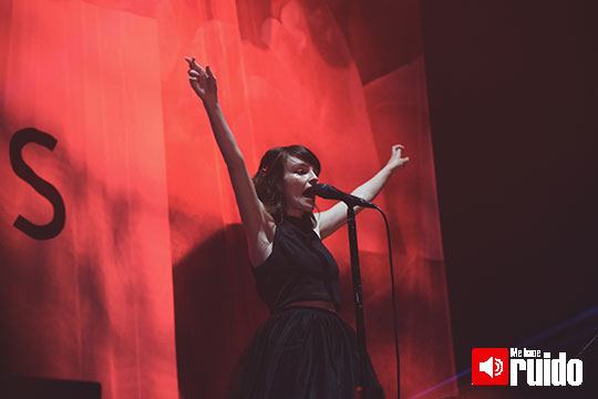 chvrches-live-out-1