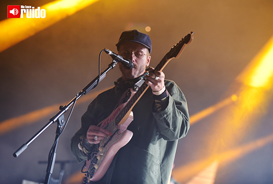 portugal-the-man-central-modelo-1