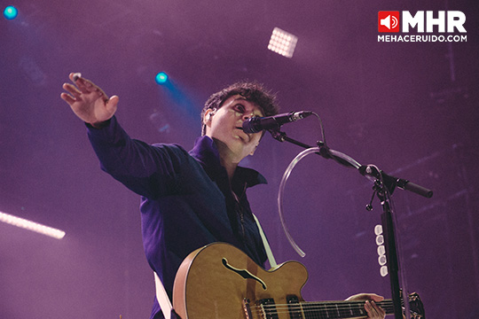vampire weekend live out